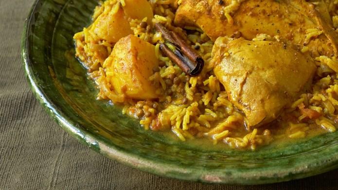 Easy chicken tikka masala in a