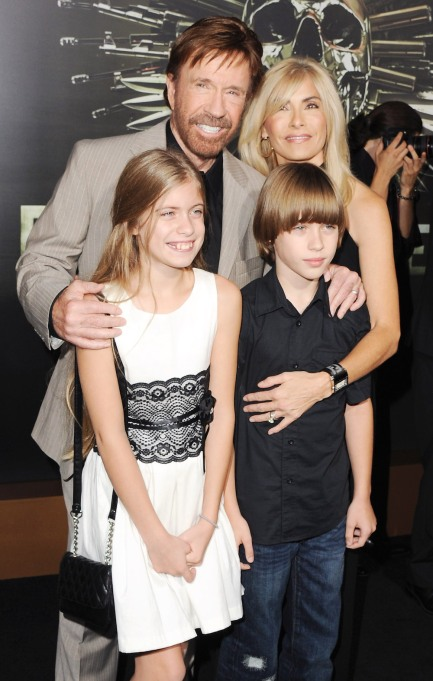 Chuck Norris, Gena O'Kelley and twins