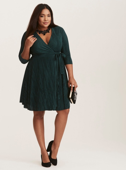 Holiday Outfit Color Combos | Emerald Dress