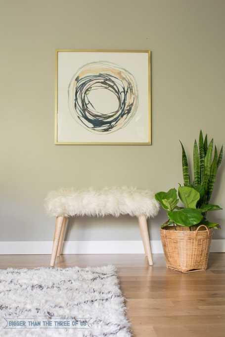 Winter Decor DIYs: Fur bench