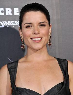 Neve Campbell confirms pregnancy!