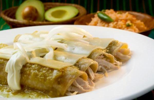 Tonight's Dinner: Chicken Enchiladas with Salsa