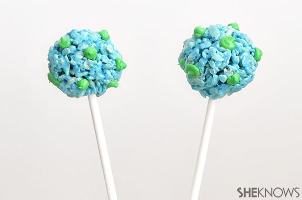 Earth day rice krispy cake pops | Sheknows.com