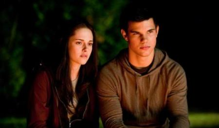 Kristen Stewart and Taylor Lautner in Eclipse