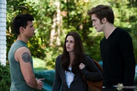 Jacob, Bella and Edward face off?