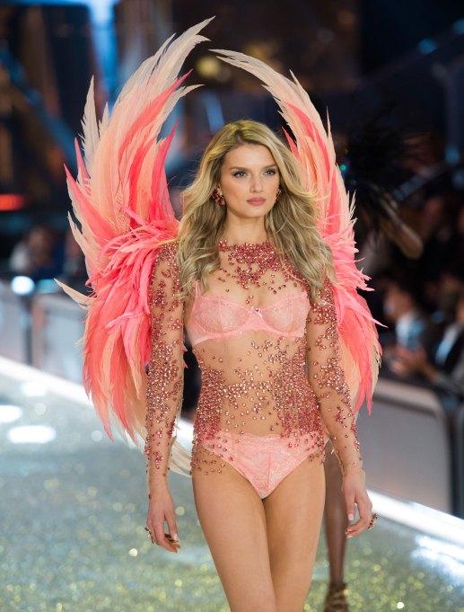Lily Donaldson 2016 Victoria's Secret Fashion Show