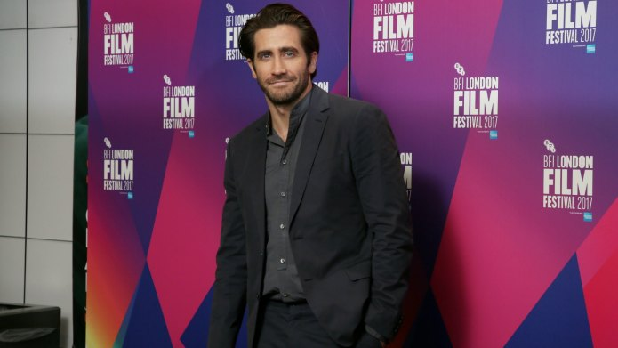 Jake Gyllenhaal Plays a Hot Dad
