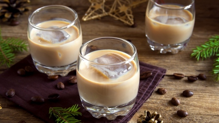 Irish cream coffee liqueur with ice,