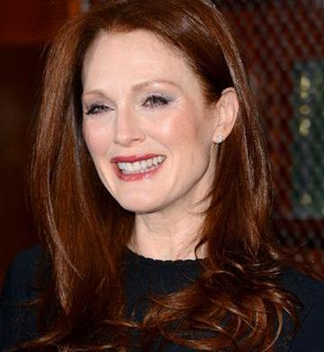 Julianne Moore joins the Mommalogues