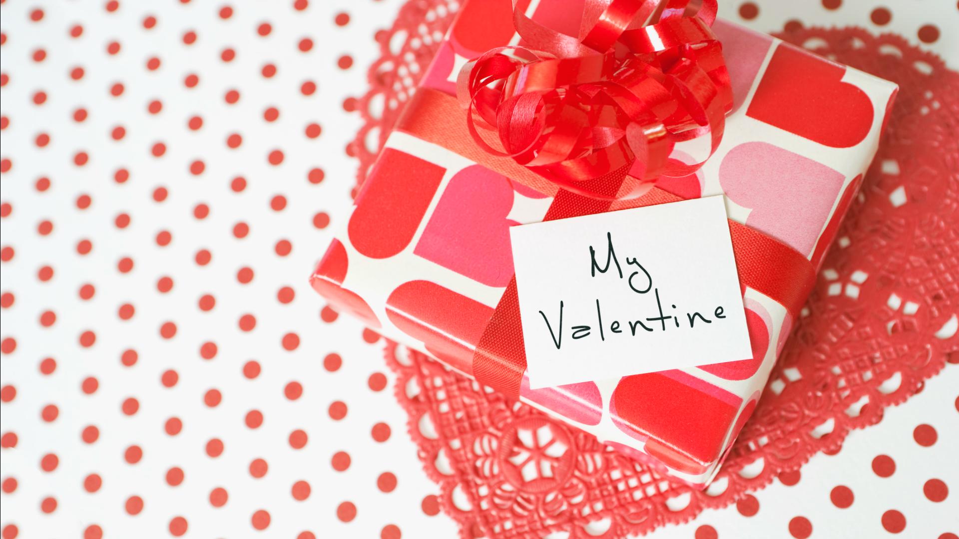 12 Valentine S Day Gifts For New Boyfriends Sheknows