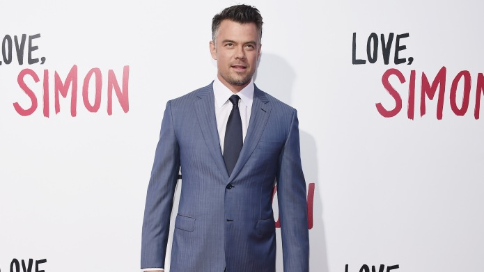 Josh Duhamel arrives at the 'Love,