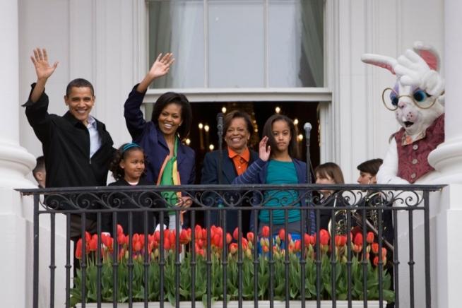 2009-easter-egg-roll-sasha-malia-obama
