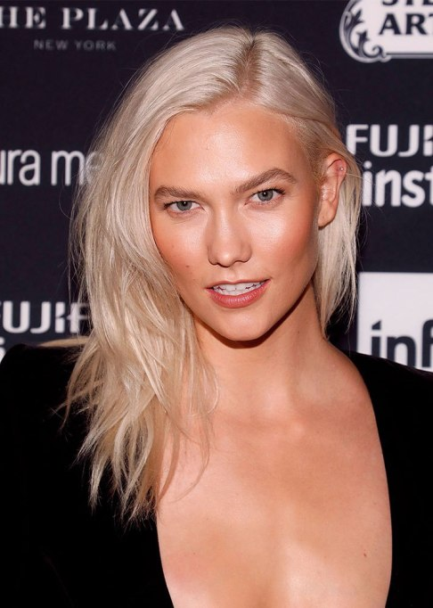 Best Celebrity Hair Transformations of 2017: Karlie Kloss with silvery blonde hair