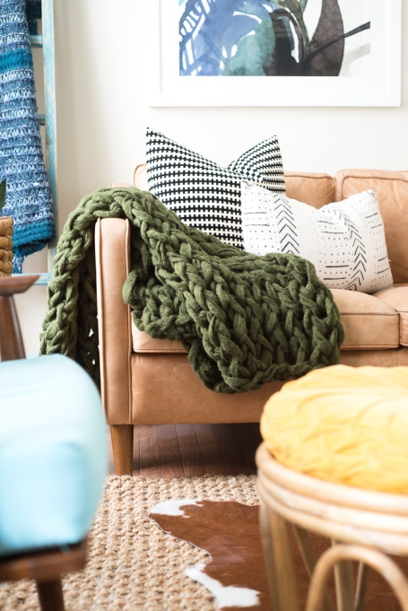 Fall Decor Trends on Pinterest: Learn how to make a cozy, chunky blanket for your room this fall.