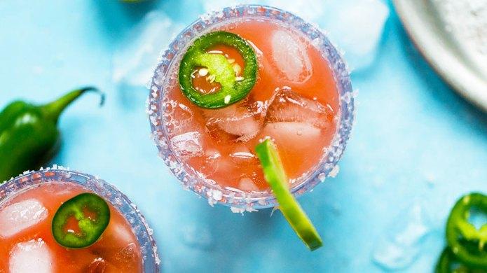 10 Easy, Festive Summer Cocktails for