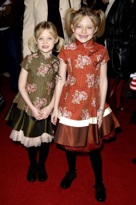 Dakota Fanning and Elle Fanning at the Premiere of 'The Cat in The Hat'