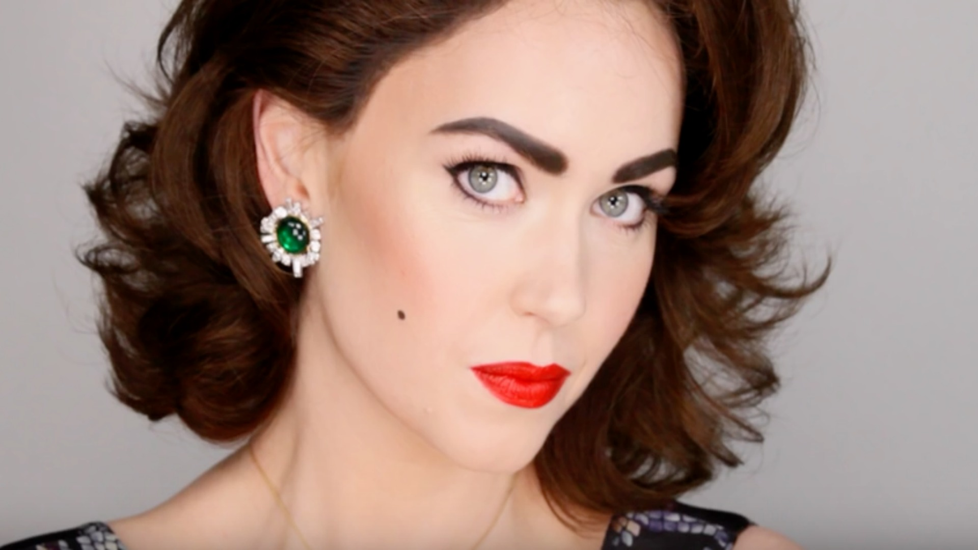 Makeup Artist Shows That Anyone Can Be Transformed Into Liz Taylor