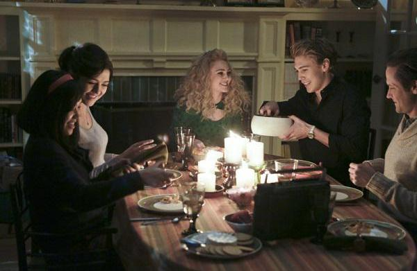 The Carrie Diaries recap: A Thanksgiving