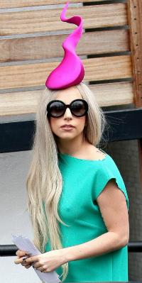 Lady Gaga hat 3