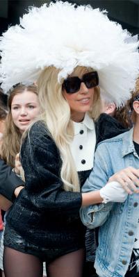 Lady Gaga hat 1