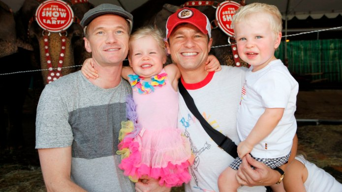 Neil Patrick Harris & Family Win