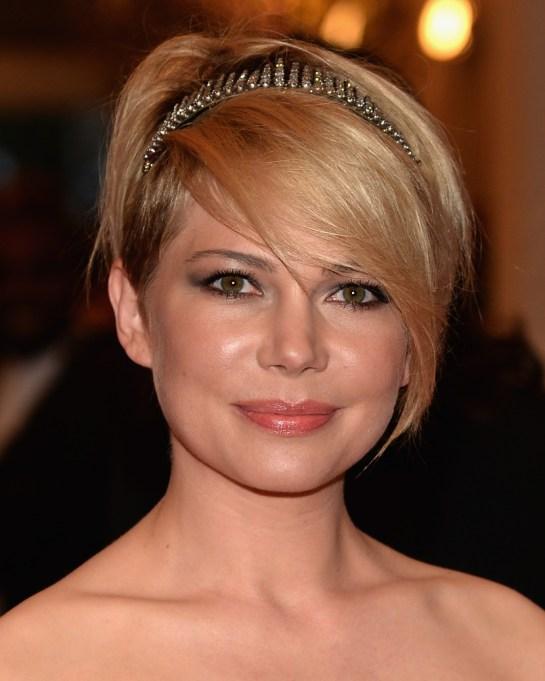 Celebrity Inspired Ways To Wear A Headband | Michelle Williams
