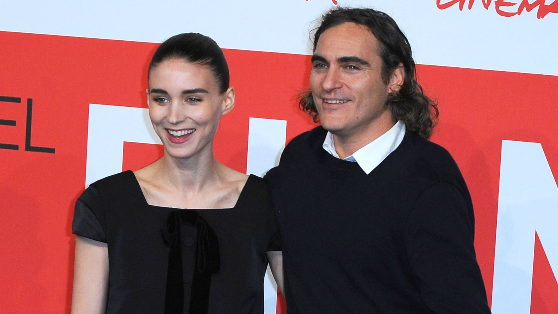Apparently Joaquin Phoenix Is The Reason Rooney Mara Ditched The