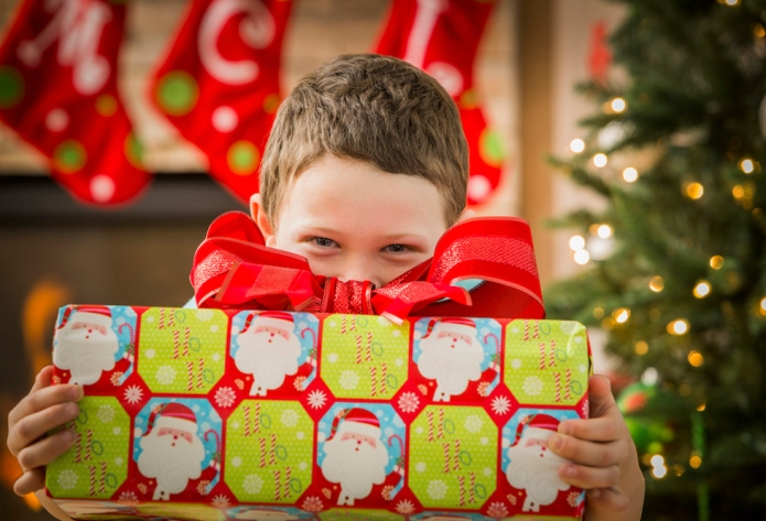 Facebook fight erupts over Christmas present