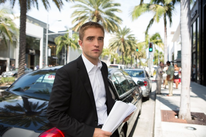 5 Robert Pattinson moments in Maps