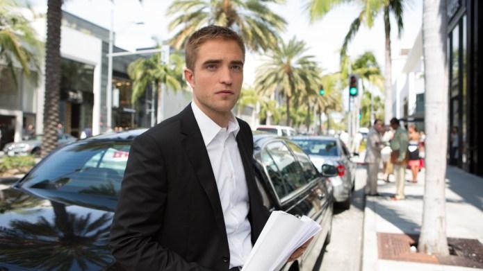 5 Robert Pattinson moments in Maps