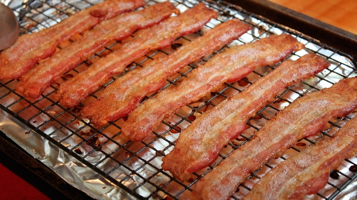 10 Scientifically proven facts only bacon