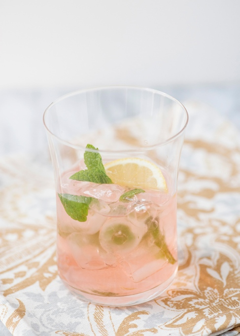 Elderflower smash cocktail