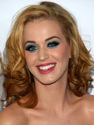 Katty Perry's bold eye makeup