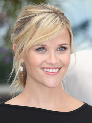 Reese Witherspoone's soft, smokey eyes