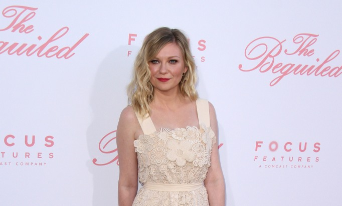 Kirsten Dunst attends The Beguiled premiere