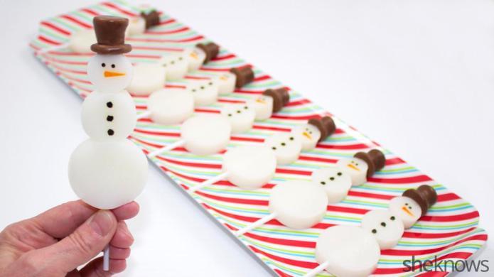 Snowman Jell-O shots: The winter piña