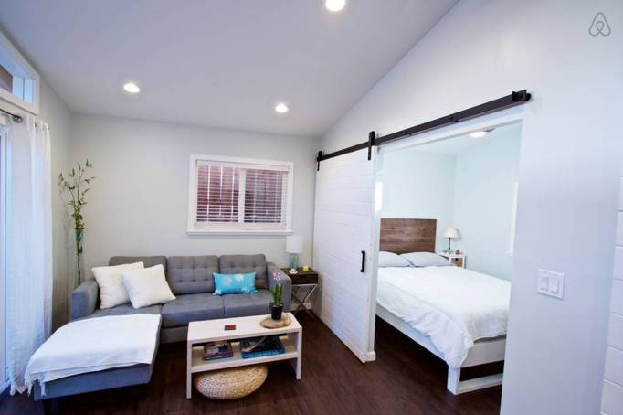 Last-Minute Valentine's Day Getaway on AirBnb: Guest House in Oahu, Hawaii