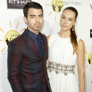 "Joe Jonas slams ""ridiculous"" drug rumors"