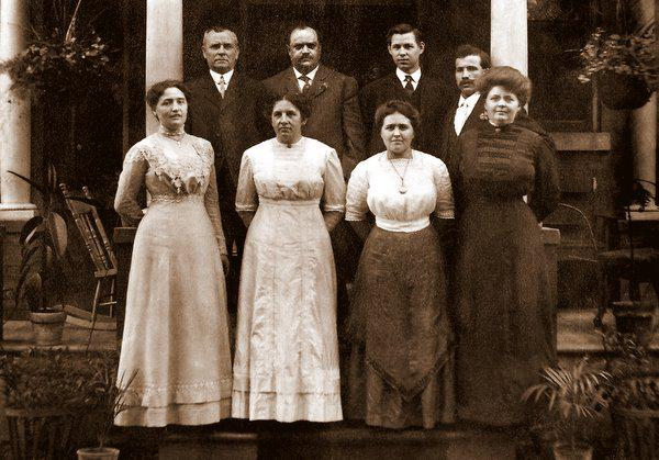 Genealogy research: Dating vintage photographs by