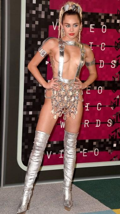 Miley Cyrus VMAs red carpet