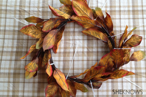 DIY fall dollar store wreath | Sheknows.ca - shaping up the wreath