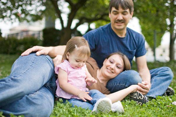 family in grassy park