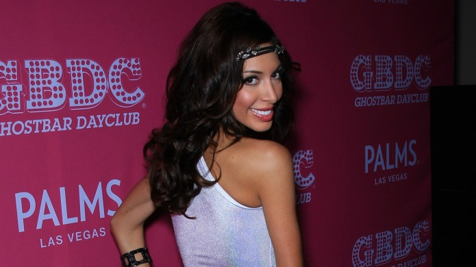 Farrah Abraham's claws come out after