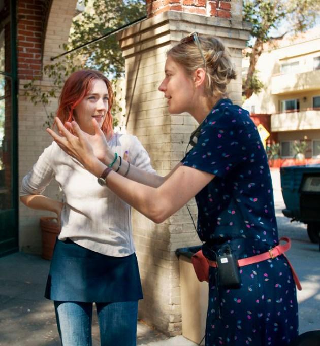 Greta Gerwig directing 'Lady Bird'