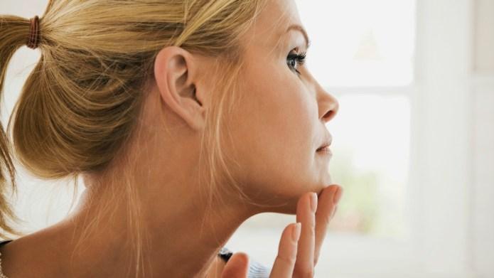 8 Skin symptoms dermatologists wish you