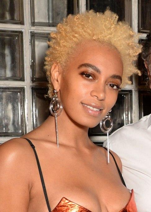 Best Celebrity Hair Transformations of 2017: Solange's super short blonde curls