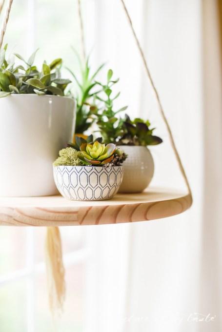 Winter Decor DIYs: Floating shelf