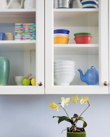 Effective ways to repair damaged cabinets - SheKnows