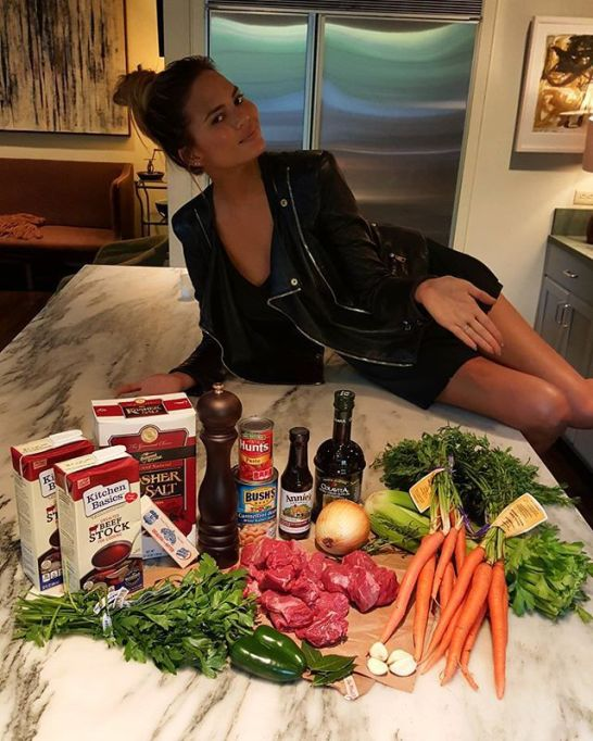 Chrissy Teigen Mouth Watering Recipes: Homemade beef stew | Celebrity Eats