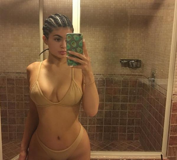 Kylie Jenner swimsuit bathroom selfie